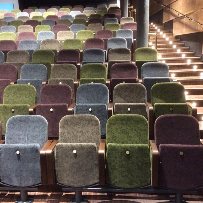 Playhouse-Teater4_682x682